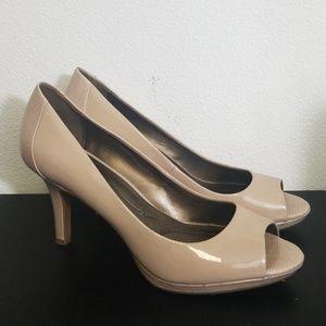 Bandolino nude heels size 10 peep toe open toe